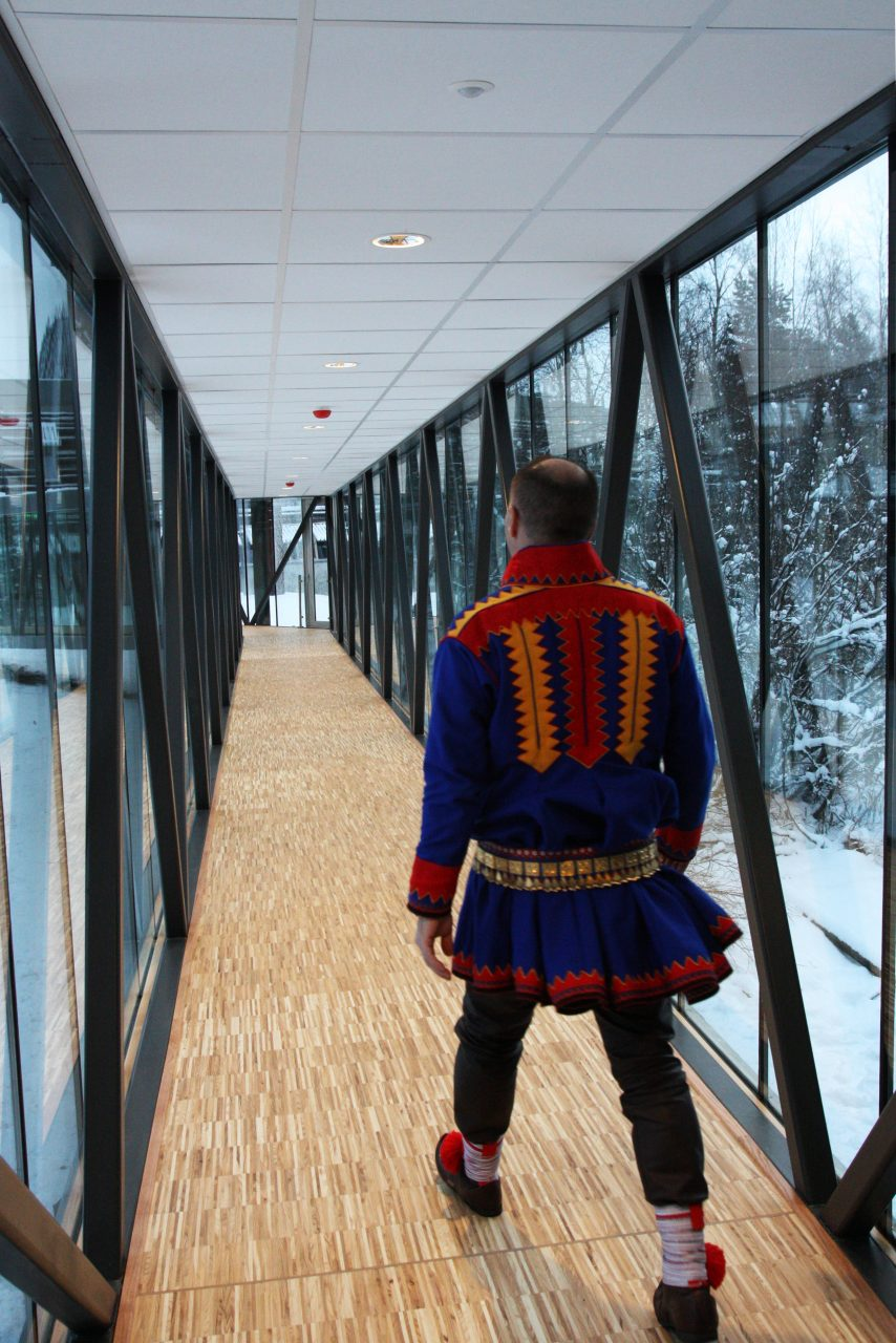 Photo - SH Arkitekter_The glass bridge connecting the new office wing to the main building._sami parliament